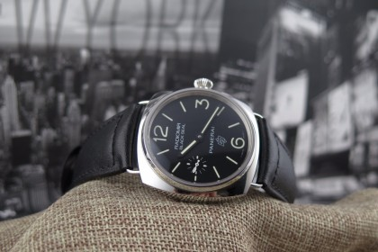 Modern Panerai Panerai PAM380 Black Seal Logo AS 'NEW'