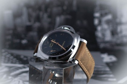 Modern Panerai PAM 422 - 47mm - 1950 case - UNWORN UK watch