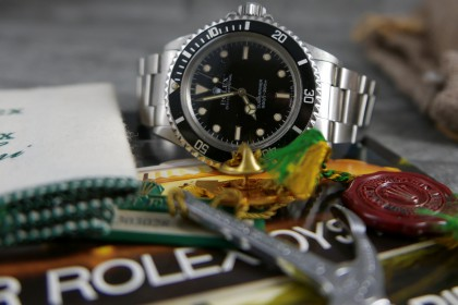 Vintage Rolex Glossy 5513 Submariner Non Date- R serial 1988