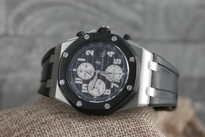 Modern Audemars Piguet Royal Oak Offshore Rubber Clad - Box and papers