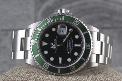 Modern Rolex 16610LV Anniversary Submariner FULL SET
