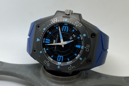 Modern Linde Werdelin Hard Black III Big Date in AS NEW condition-Full set