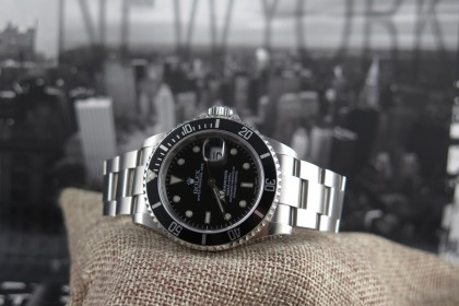 Modern Rolex 16610 Submariner Date - P 2000 - Full Set