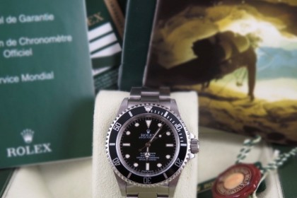 Modern Rolex 14060M 4 Line Non Date Submariner-M Serial 2011-Full set