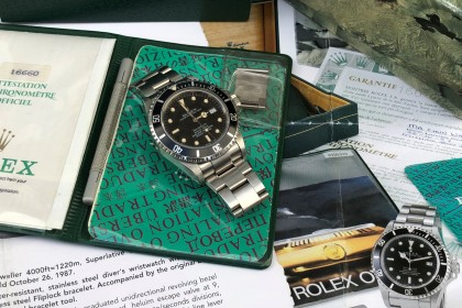 Vintage Rolex 16660 Seadweller Triple 6 with amazing Patina