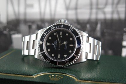Modern Rolex Submariner Non Date 14060M Full set - Rolex Serviced 2016