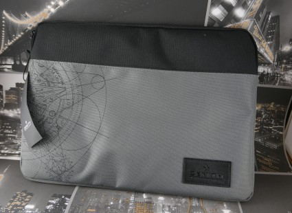 Zenith Laptop Case NEW WITH TAGS Z1